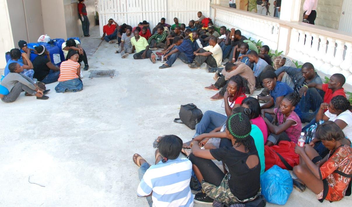 Dominicana detiene y deporta a más de 3.800 haitianos