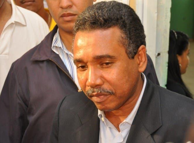 El PLD suspende a Félix Bautista y Víctor Díaz Rúa
