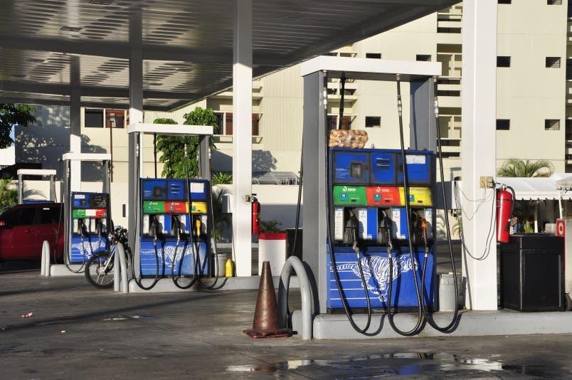 Precios de los combustibles aumentan entre RD$3.00 y RD$5.00