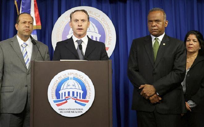 Presidente recibe en Palacio a ejecutivos de la Falconbridge