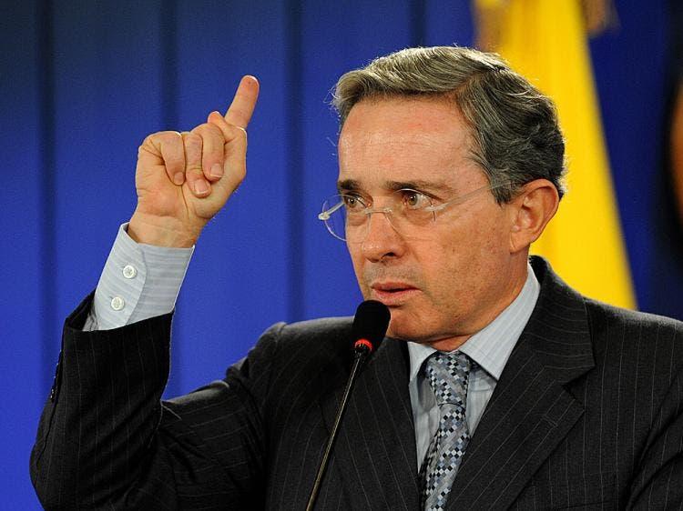 """Uribe dice que acuerdos con las FARC son un """"golpe de Estado a la democracia»"""