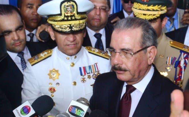 Presidente Medina nombra funcionarios en servicio exterior y directora de cine