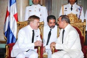 James Brewster y el presidente Danilo Medina