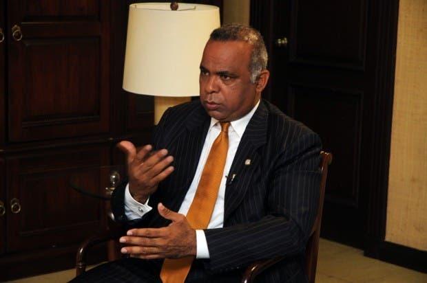 Senador Félix Nova: El país puede ser demandado por Falconbridge