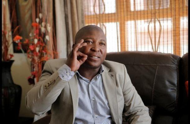 Ingresan en hospital psiquiátrico a falso intérprete de ceremonia de Mandela