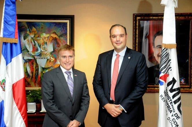 Embajador y ministro