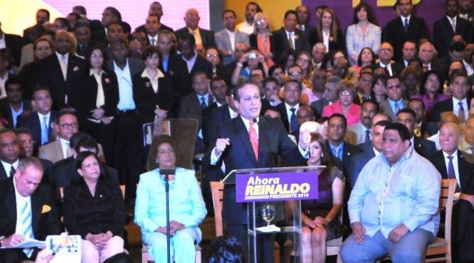 Pared Pérez lanza su  precandidatura