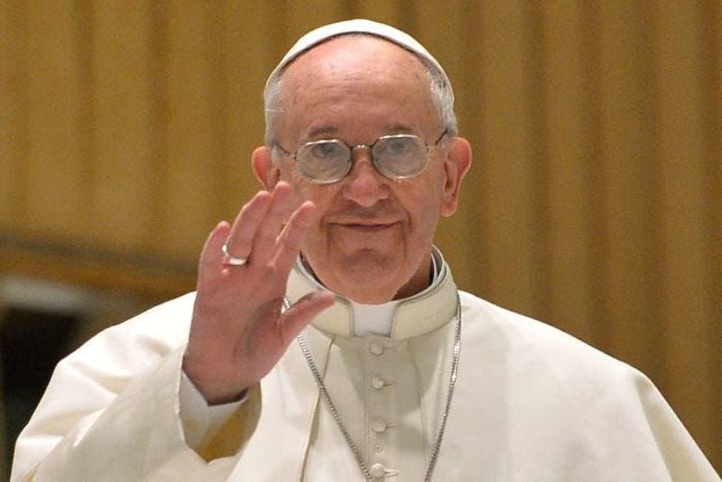 El papa dice escasas oportunidades de trabajo favorecen la esclavitud moderna