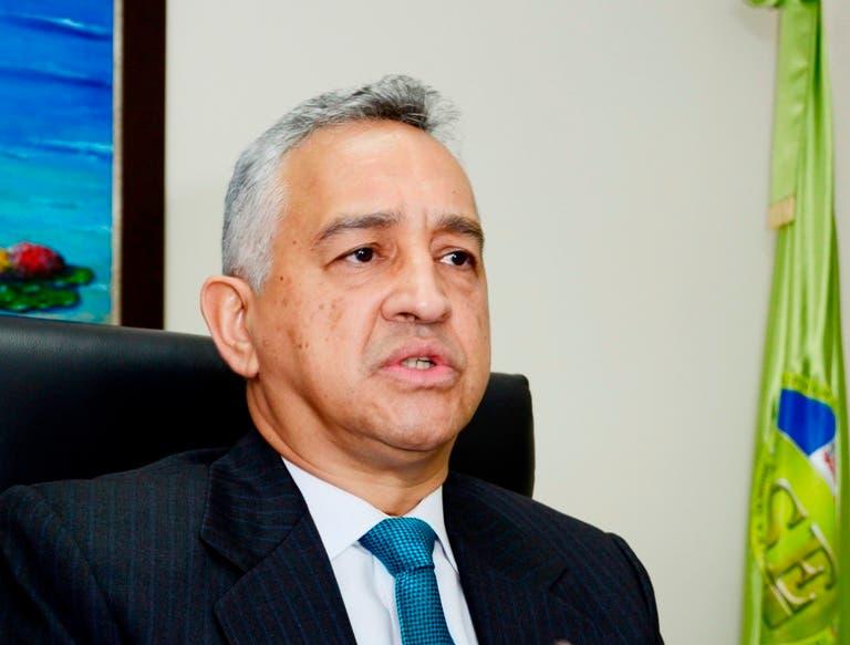 Exfiscal pide renuncia del director de la Policía Nacional