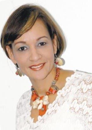 Lady Reyes,  periodista del periódico El Día