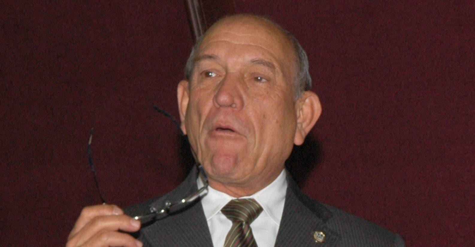 Rafael Calderón defendió la iniciativa.