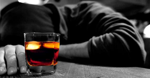 Mueren dos hombres intoxicados por ingesta de alcohol en Puerto Plata