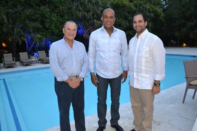 Michel Martelly felicita a Danilo Medina por la Ley de Naturalización
