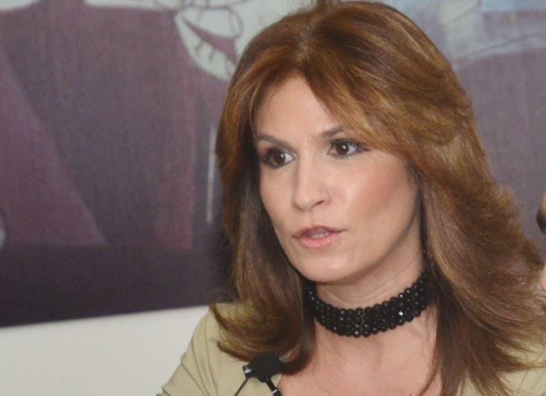 Circe Almánzar critica  reducido acceso al crédito.