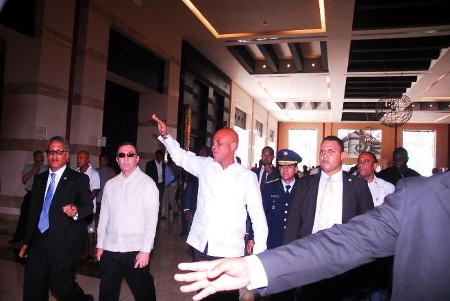 Michel Martelly llega a reunión con Danilo Medina y Herman Van Rompuy