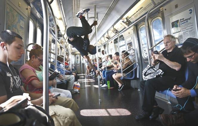 Policía de Nueva York en contra de acrobacias en trenes