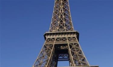 La capital, gobernada por la socialista Anne Hidalgo, avanzaría así en el objetivo del Gobierno francés, que anunció en julio el fin de la venta de vehículos diésel y gasolina para 2040.