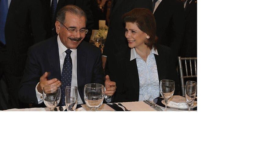 Elena Villeya y Danilo Medina