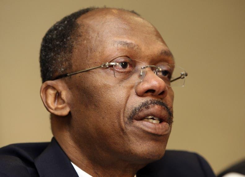 Expresidente haitiano Aristide tiene covid y se tratará en Cuba, según prensa
