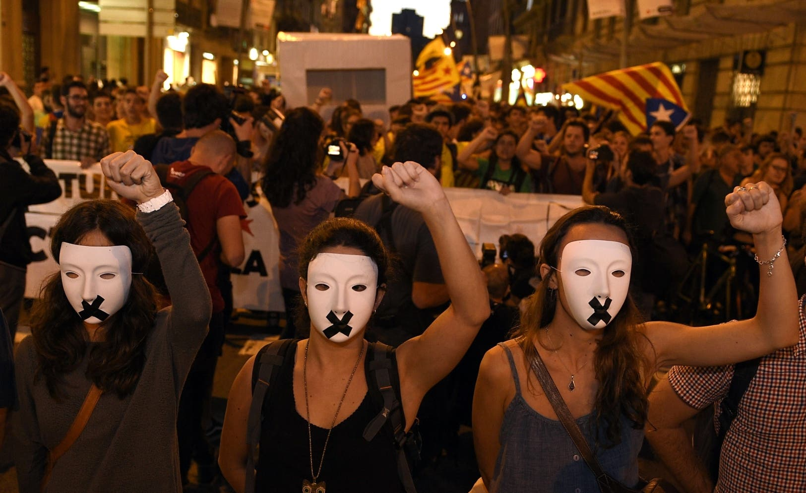 SPAIN-CATALONIA-STUDENTS-DEMO-REFERENDA
