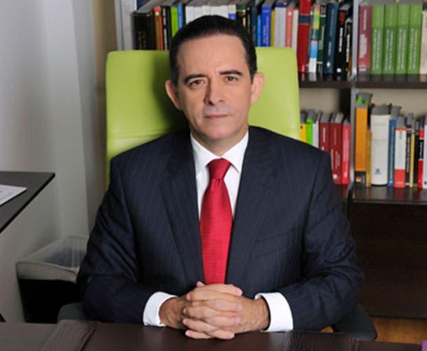 Carlos Salcedo.