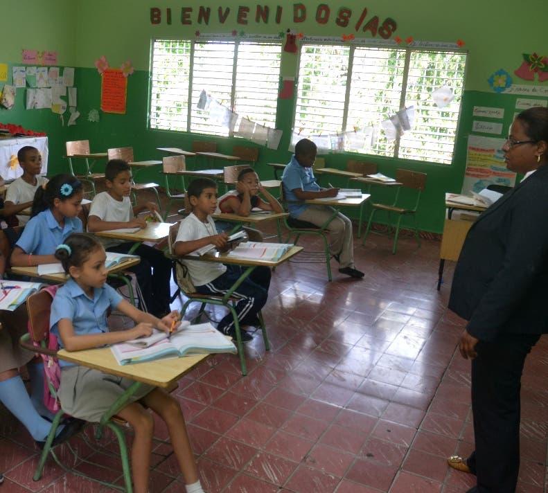Retorno a semipresencialidad en GSD aúnno está confirmado por Educación