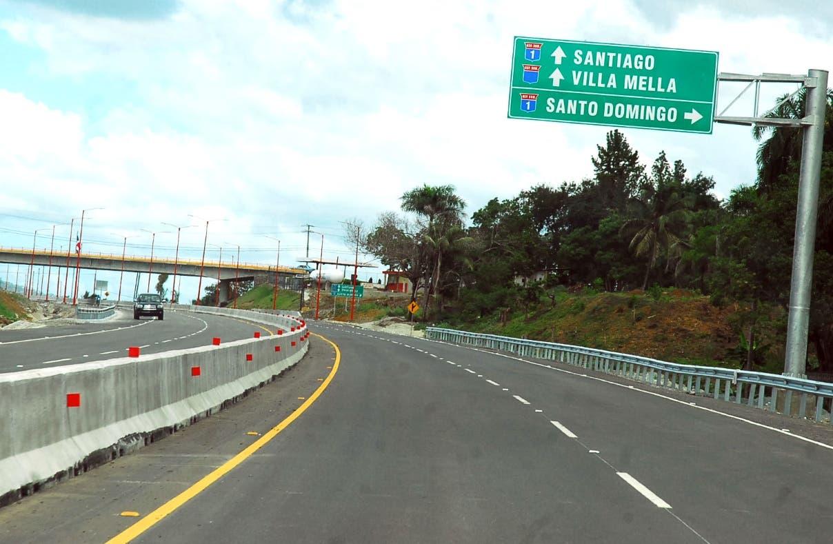 Medina inaugura primer tramo Circunvalación Santo Domingo
