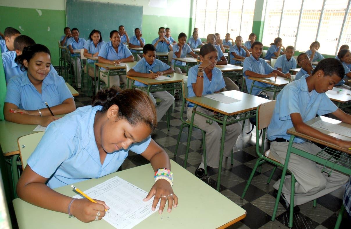 El 87% de estudiantes aprobó en primera convocatoria de Pruebas Nacionales
