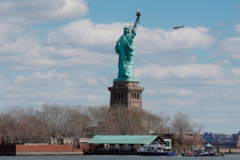 El gobernador de Nueva York ha otorgado el perdón a siete personas que hace muchos años cometieron delitos menores, pequeños hurtos o posesión de droga, y que ahora les abocaba a la deportación cuando ya están integrados en la comunidad y no han reincidido.