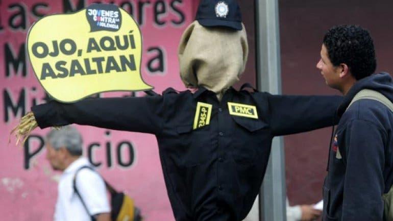 Monigotes-POLICÍAS-GUATEMALA