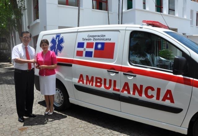 Taiwán dona ambulancia al hospital Ramón Matías Mella de Dajabón