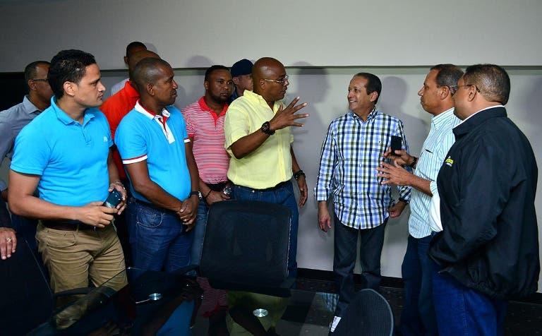 Reinaldo Pared promete solicitar Danilo disponga fondos para Clud San Carlos