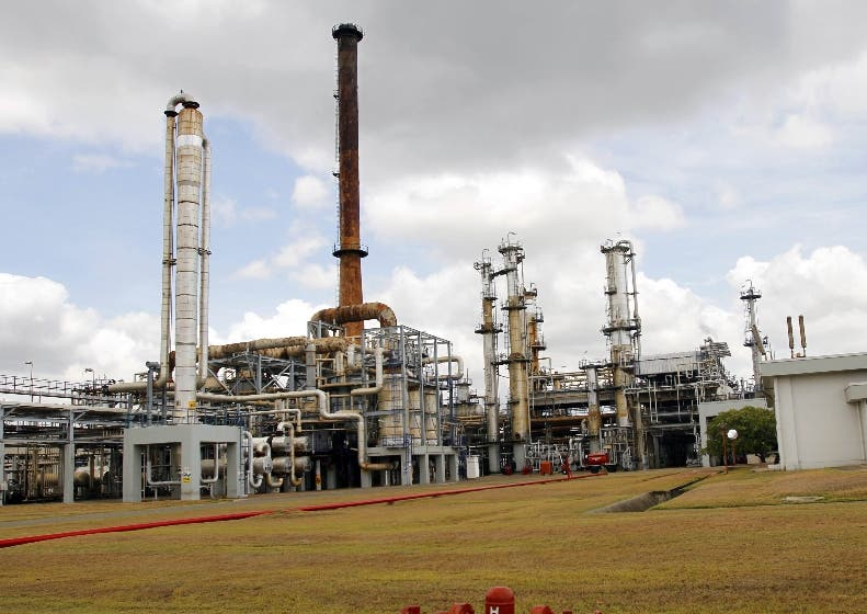 Refinería iniciará normalización de planta este mes