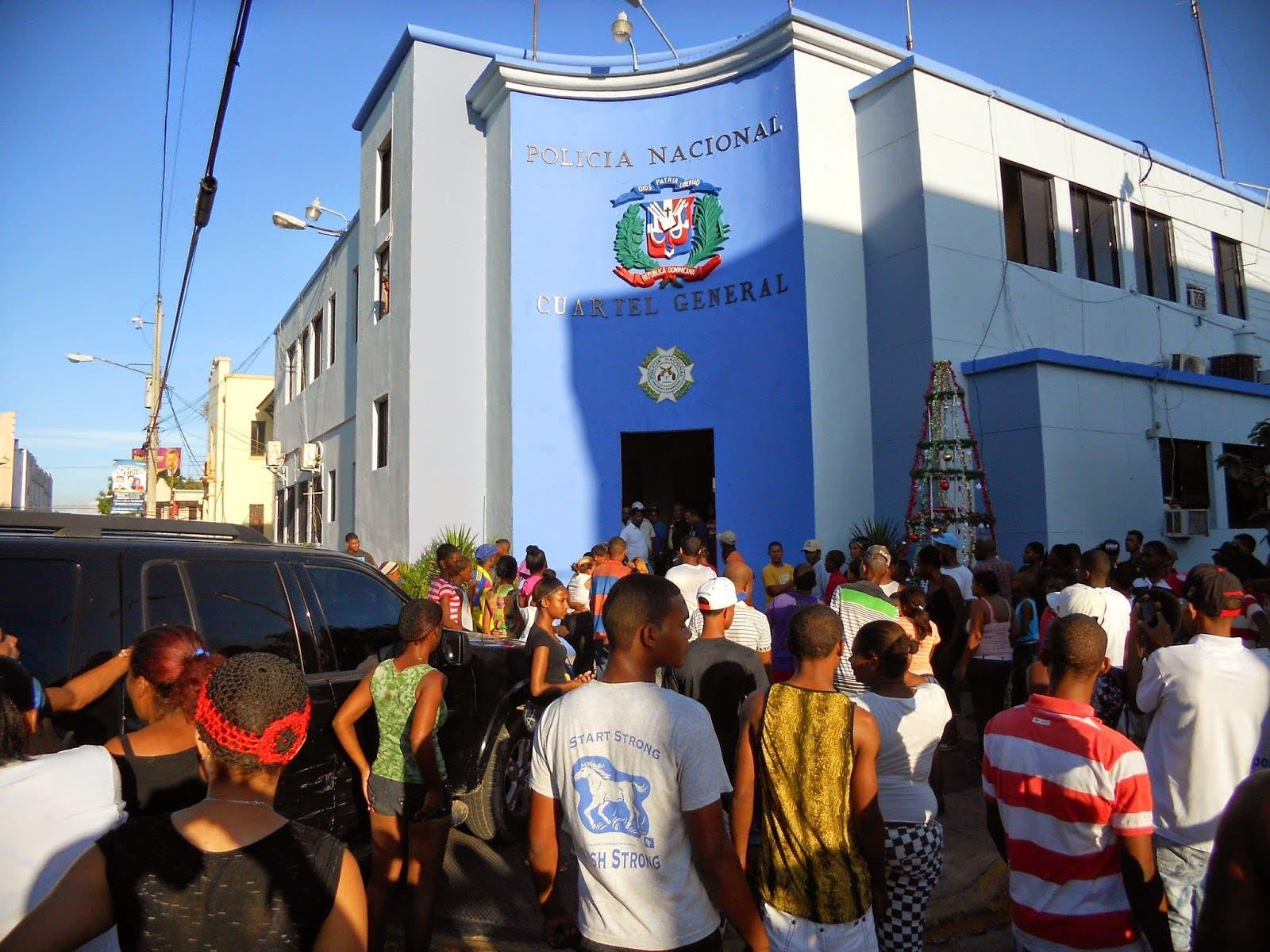 Resultado de imagen para imagenes del cuartel de la policia de san cristobal
