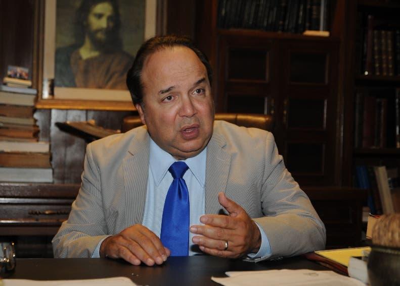 Vinicio Castillo cree Iglesia da espalda a interés del país.