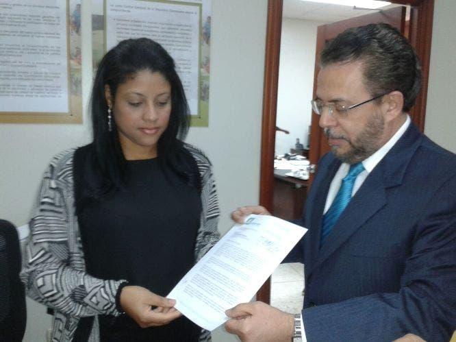 Moreno califica de inaceptable JCE aún no haya reconocido a Alianza País