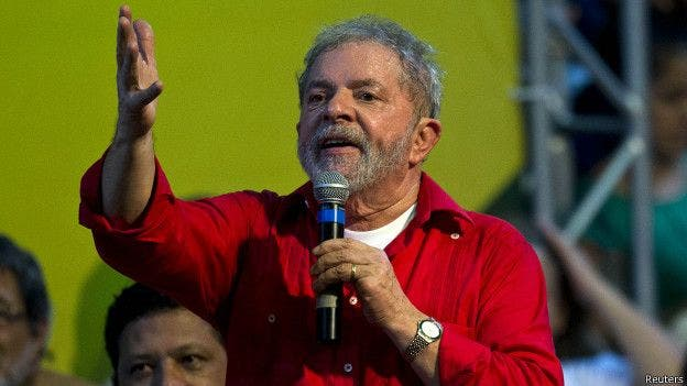 El expresidente Lula se encuentra virtualmente inhabilitado para participar en los comicios por haber sido condenado a 12 años de prisión por corrupción pasiva y lavado de dinero, pero el PT presentó su candidatura a la Presidencia el sábado pasado.