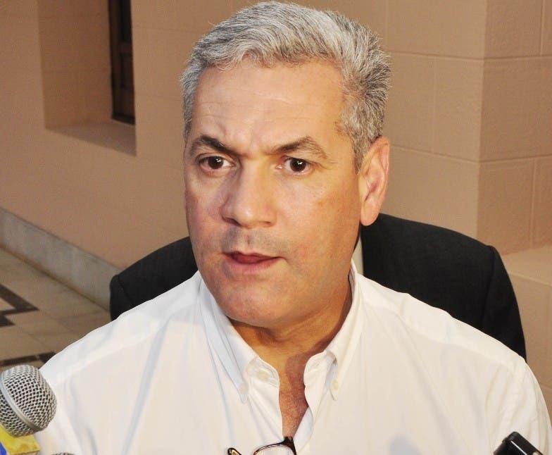 Gonzalo Castillo, ministro de Obras Públicas.