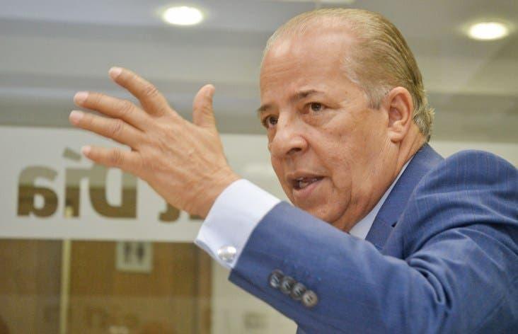 El Dr. Ramon Alvarado invitado al Coloquio semanal del periodico El Dia. Foto: Elieser Tapia.