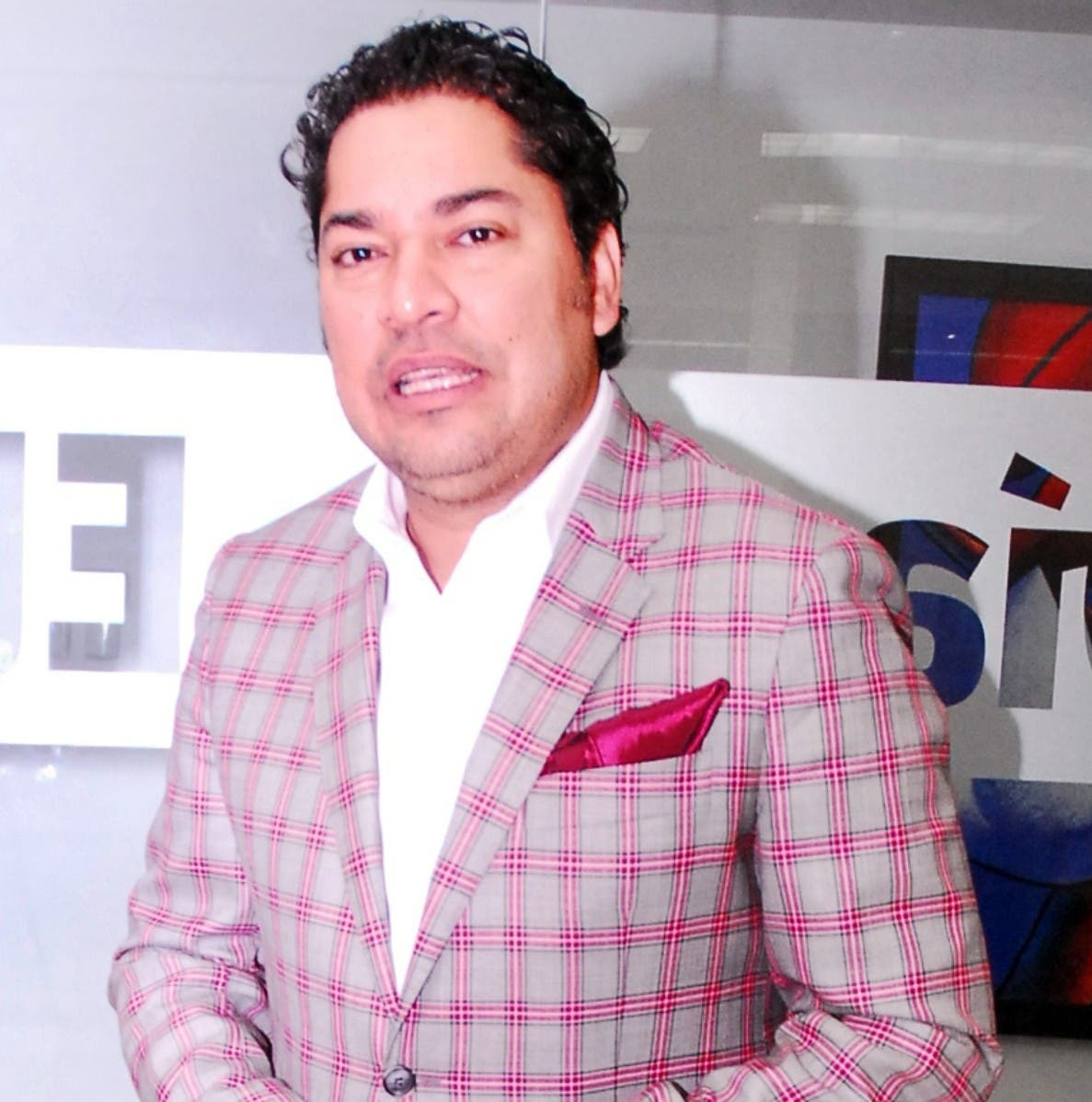 """El Pachá: """"No todas las presentadoras de TV son chapiadoras"""""""