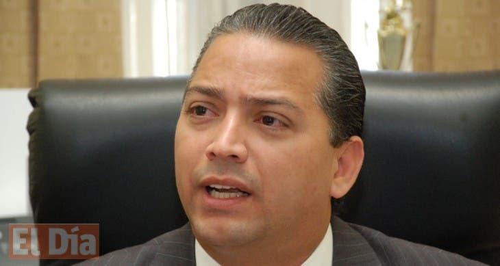 El pais.Victor Sanchez pren candidato a Senador por Azua.Hoy /Pablo Matos  18-11-09