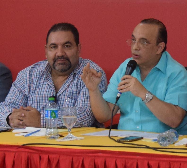 Federico Antún Batlle  y Ramón Rogelio Genao, presidente y secretario general del PRSC, respectivamente.