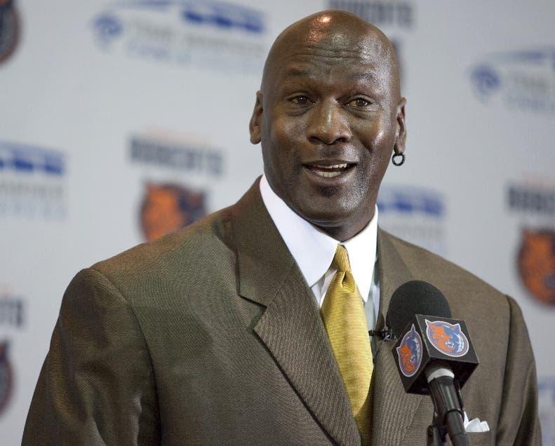 NBA: Cadena de supermercados debe pagar casi US$9 millones a Michael Jordan