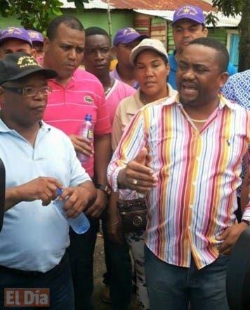 El aspirante a la Alcaldía por Santo Domingo Norte Rene Polanco realizó un amplio recorrido por varias comunidades de este municipio en el cual recibió el apoyo de decenas de dirigentes del Partido de la Liberación Dominicana. hOY/ F. E. 13/07/2015