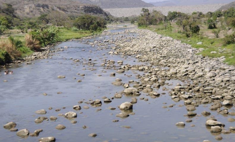 Medio Ambiente suspende extracción de agregado para construcción