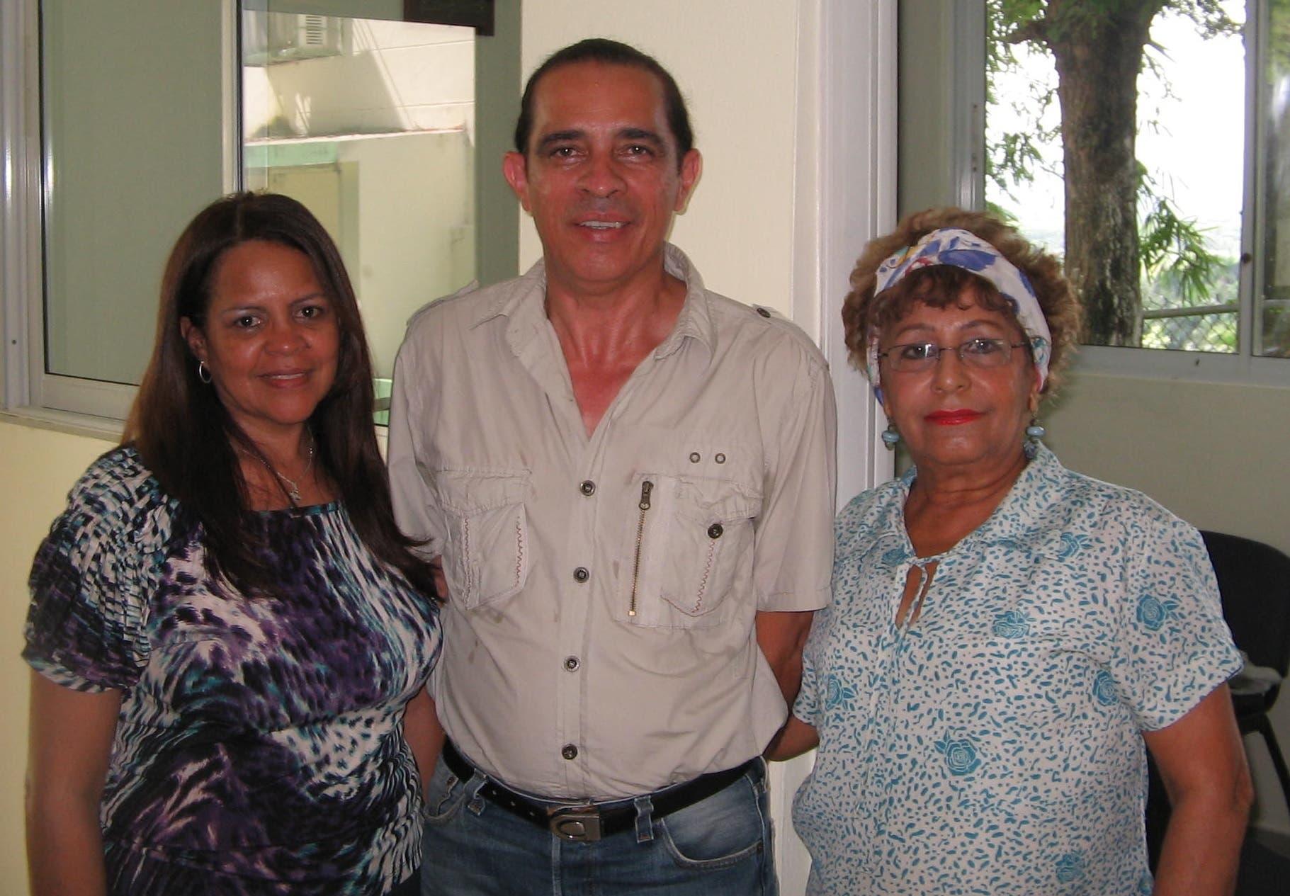 Barbosa con tecnicos laboratorios IDIAF