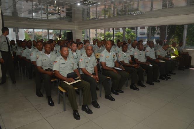 AMET instruye personal para supervisar labores seguridad ciudadana