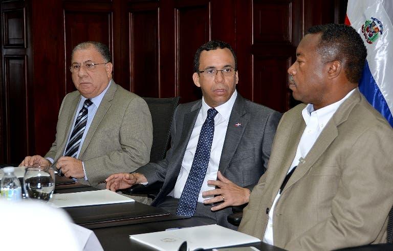 Autoridades buscan solución riesgos enfrentan camioneros viajan a Haití