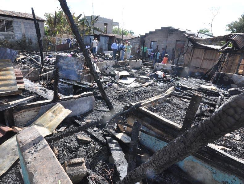 Resultado de imagen para Dos niños murieron calcinados en incendio de vivienda en La Romana