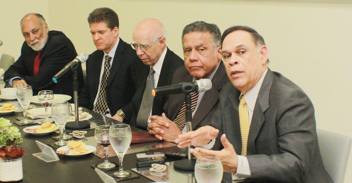 Tres expertos instan ampliar Zona Colonial
